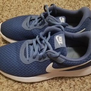Nike Tanjun Running Shoes Size 6 1/2